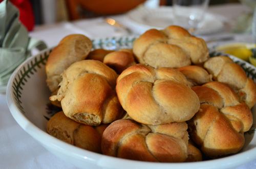 Granny Bessie's Yeast Rolls
