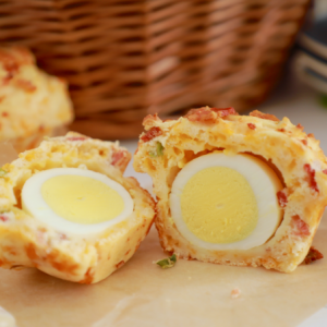 Breakfast Muffins with Egg