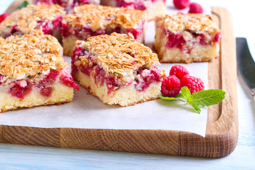 Raspberry Sour Cream Crumble Cake