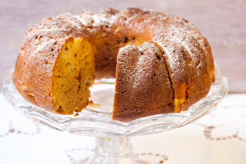 Pumpkin Bundt Cake with Apple