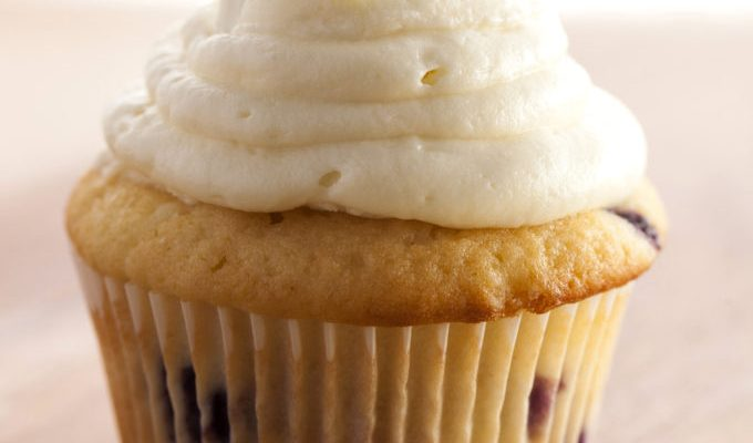 Lemon Blueberry Cupcakes with White Chocolate Cream Cheese Frosting