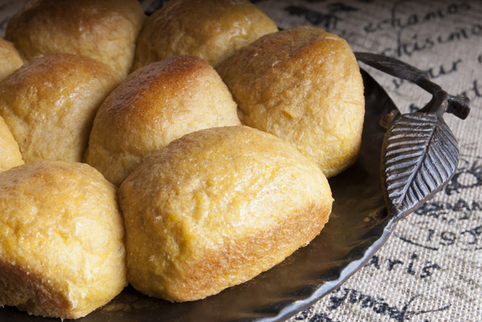 Pumpkin Yeast Rolls (Bread Machine)