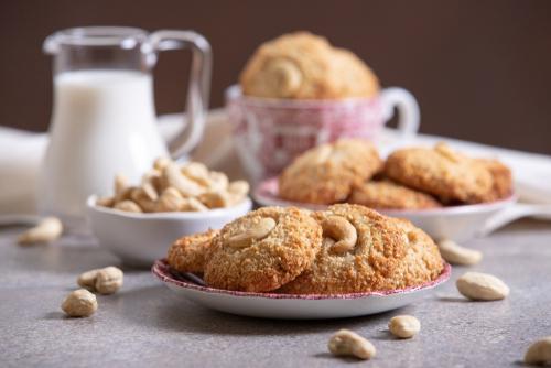 Coconut Cashew Cookies