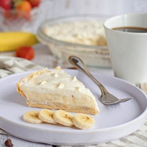 Banana Cream Pie II (Makes one single crust cream pie)